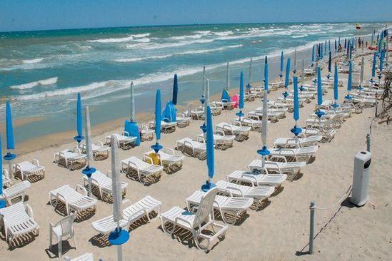 Soggiorno in villaggio direttamente sul mare prenota subito la tua vacanza in puglia - Residence puglia mare con piscina ...
